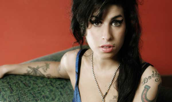 Amy Winehouse poza 2011