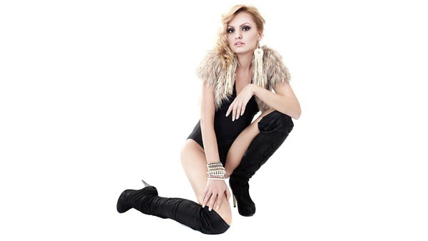 Alexandra Stan feat Carlprit - 1.000.000 (Single Nou)
